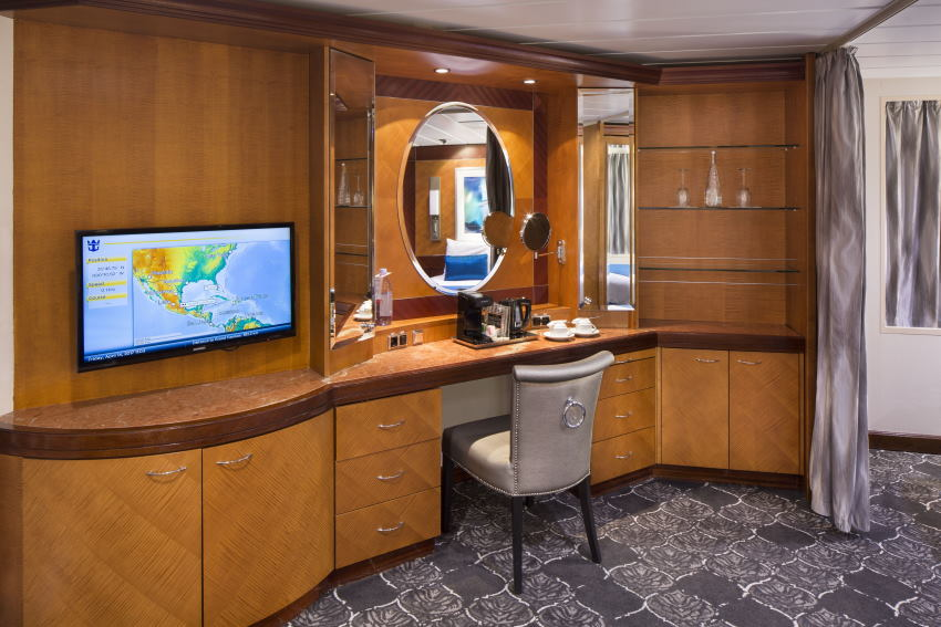 Empress of the Seas, Owner Suite